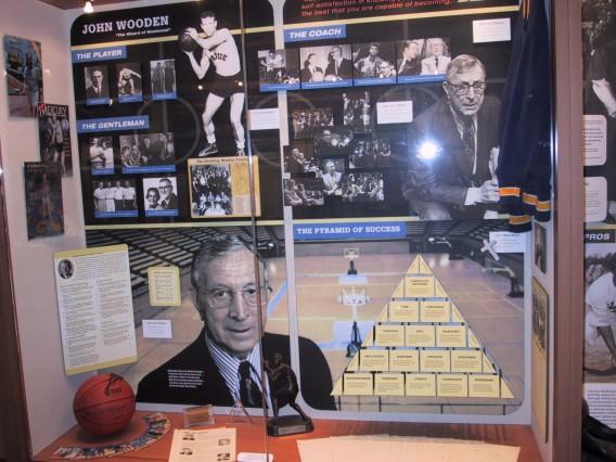 UCLA構内にあるJohn Wooden氏の展示ボックス